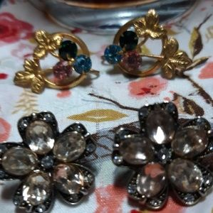 2 Pair of Vintage Earring 1Pierced 1 Screwback